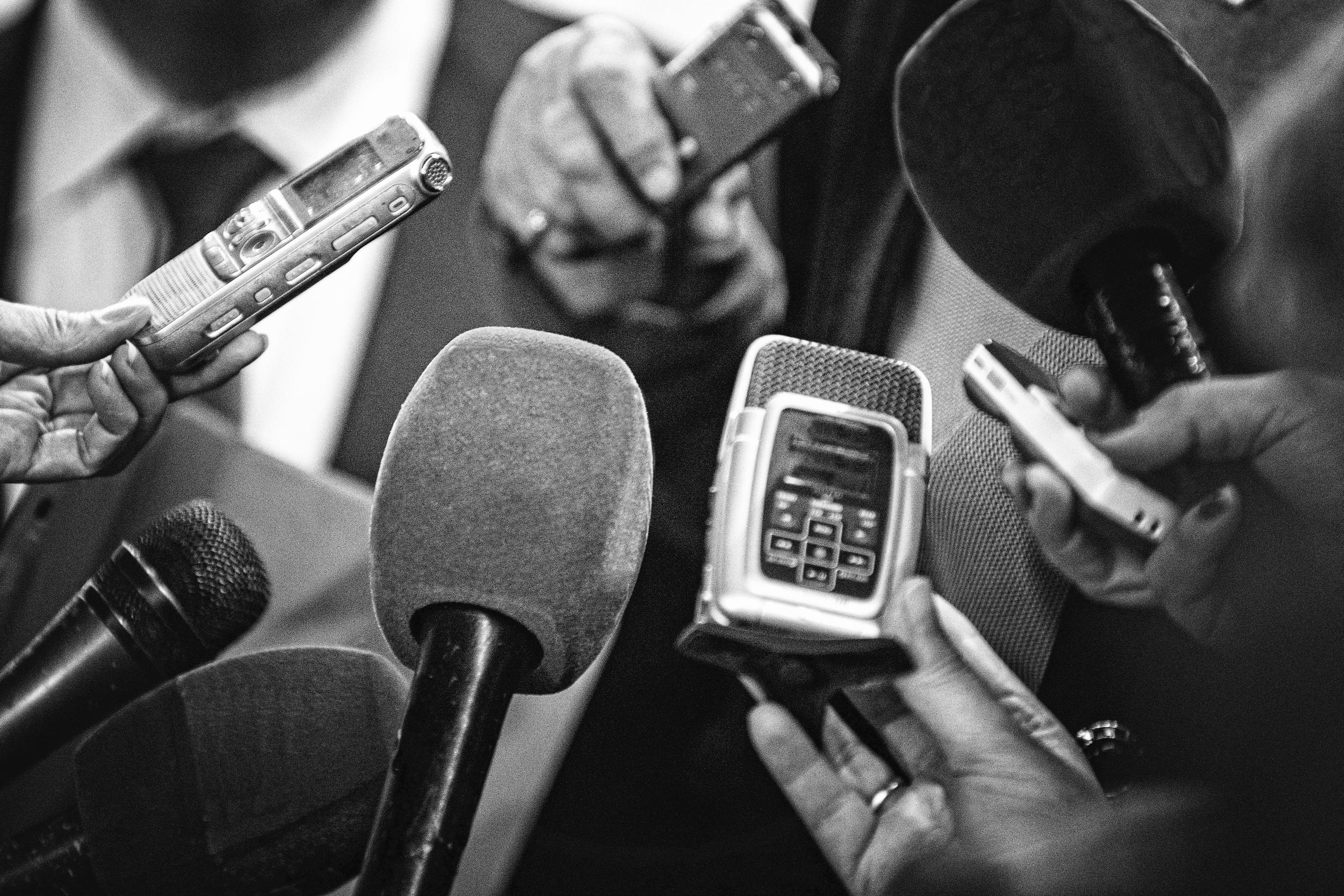 lanceur d'alerte sur les dangers du net pour les chefs d'entreprises